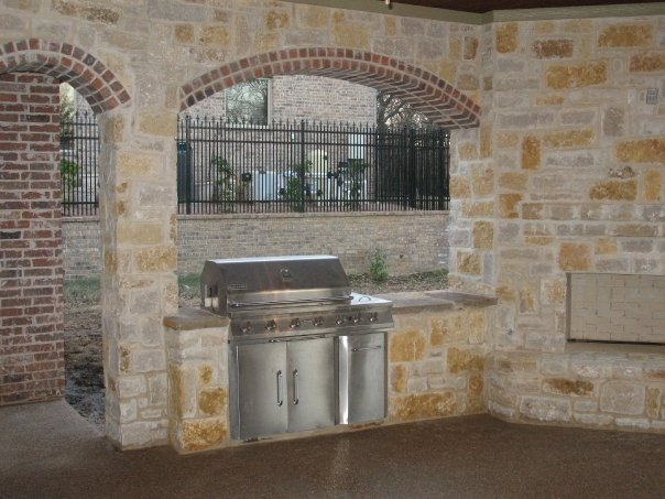Creating Your Custom Home's Outdoor Kitchen